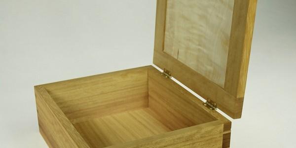 Iroko Box 1