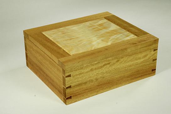 Iroko box
